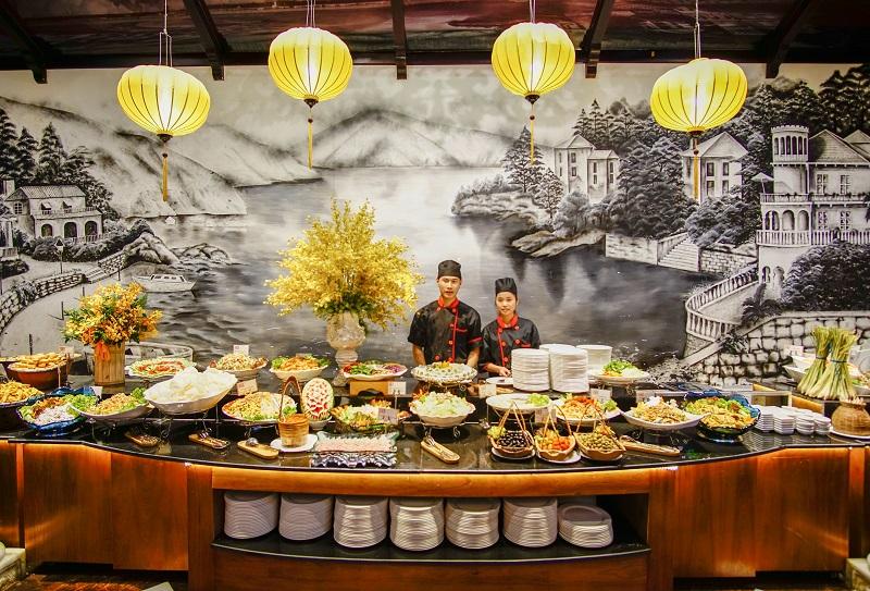 cung-cach-phuc-vu-tai-nha-hang-soho-buffet